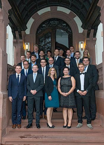 Die DB Schenker-Mitarbeiterinnen und Mitarbeiter feierten den Abschluss ihres VWA-Studiums in der Villa Manskopf in Frankfurt.